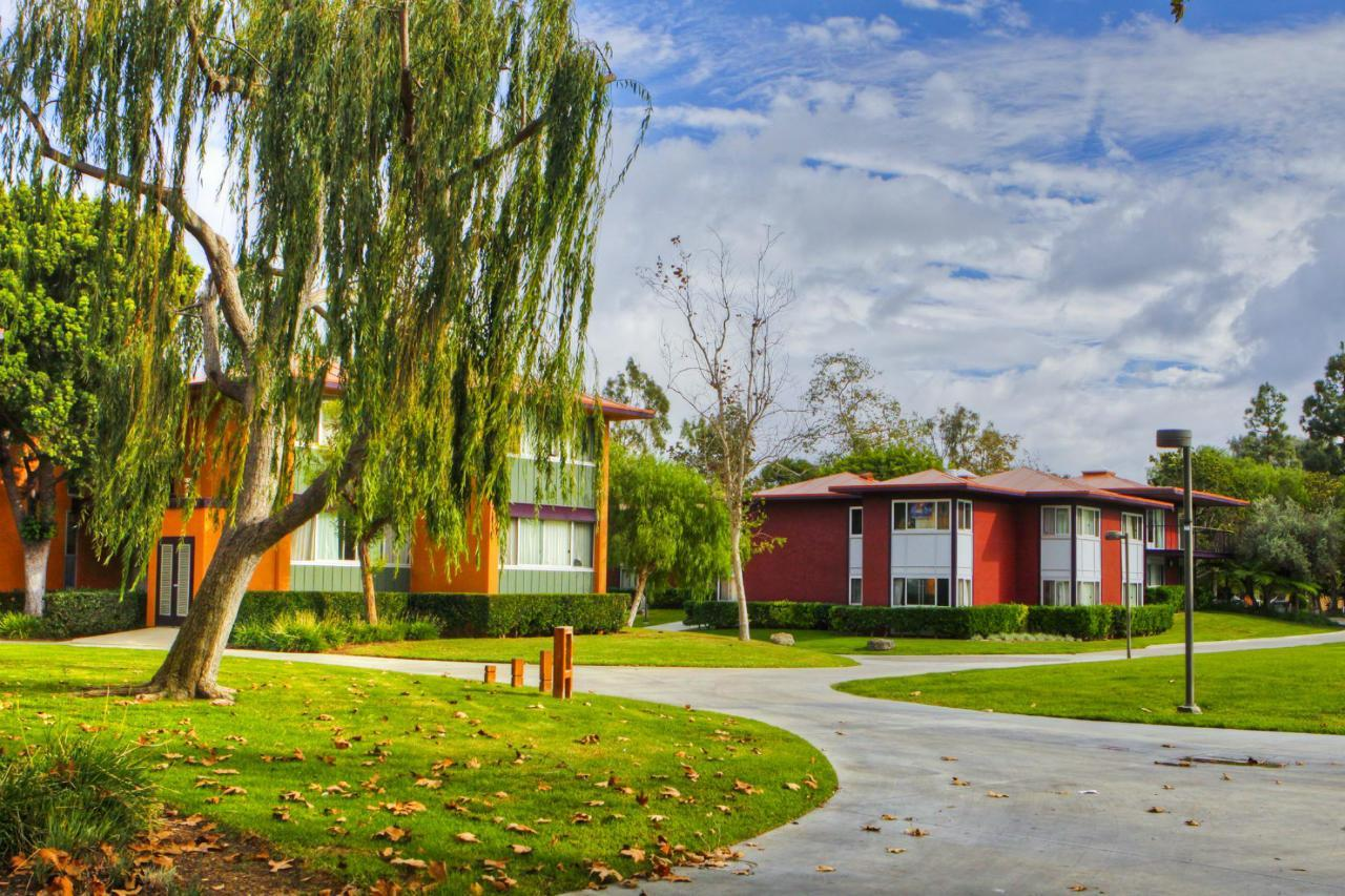 Mesa Court Housing