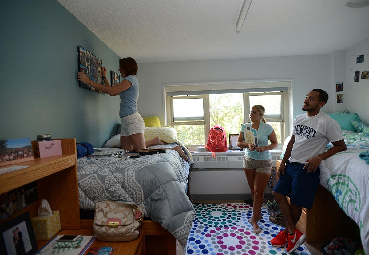 Move In Day In Leitch Hall On East Campus Part 62