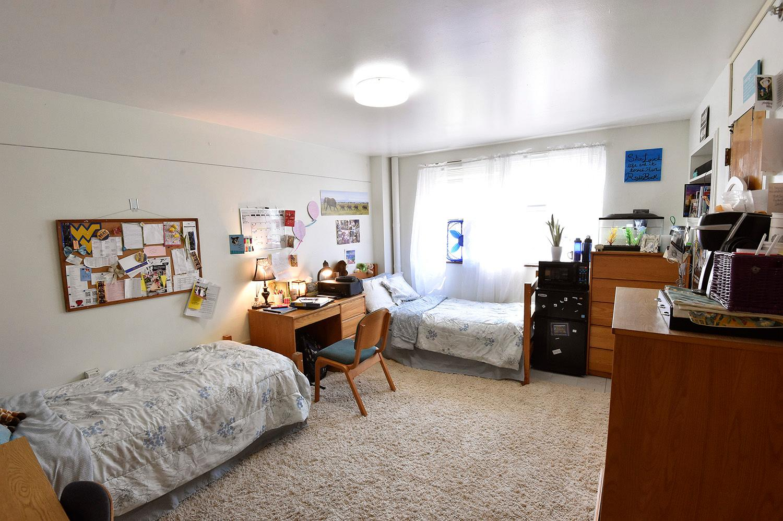 2 Bedroom Apartments In Lincoln Park West Virginia University Dorm Rooms Peenmedia Com